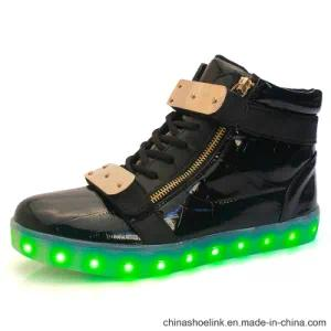 Wholesale Men′s Rechargeable LED Skateboard Sneakers Shoes